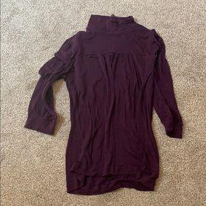 💥10/10-Banana republic plum blouse